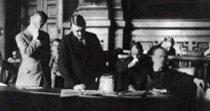 http://www.elpais.com/recorte/20081101elpepuint_19/LCO340/Ies/Hitler_tribunal.jpg